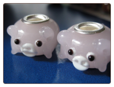 Pink Pig Glass Bead